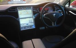 Tesla S dash