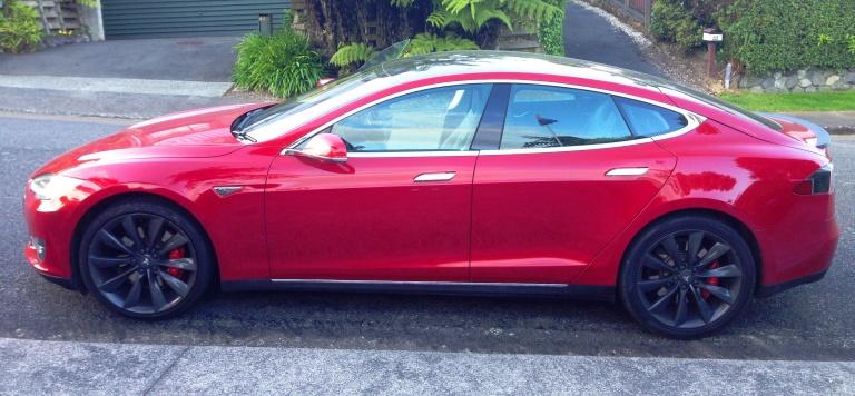 Tesla S profile